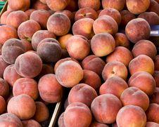 Free Peaches Royalty Free Stock Photos - 9867478