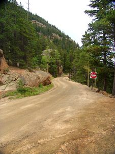 Free Unpaved Moutain Road Royalty Free Stock Image - 9868466