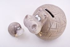 Free Hippopotamus Mother Child Statuette Money-box Stock Photos - 9869143