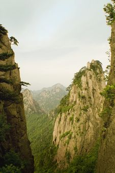 Huangshan, China, Steep Valley And Canyon Royalty Free Stock Image