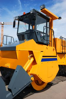 Free Yellow Bulldozer Royalty Free Stock Image - 9877246