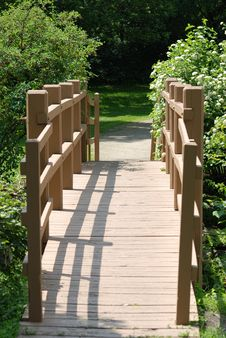 Free Wooden Foot Bridge Royalty Free Stock Photo - 9880425