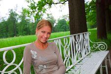 Free Smiling Woman Royalty Free Stock Photos - 9880798