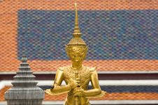 Free Sculptures Of A Buddhist Temple Royalty Free Stock Photography - 9883267