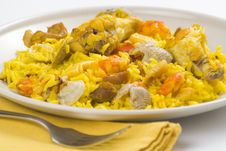 Free Delicious Seafood Paella And Chicken Rice Yellow Royalty Free Stock Photography - 9885067