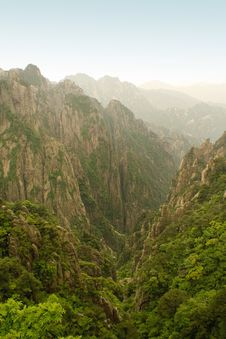 Free Chinese Mountains Royalty Free Stock Photography - 9888107