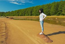 Free Girl On The Shore Royalty Free Stock Images - 9891829