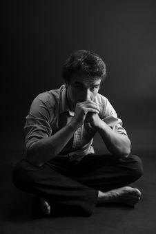 Free Man Meditating Royalty Free Stock Images - 9896639