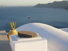 Free Overlooking Santorini Royalty Free Stock Photography - 9897567