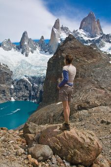 Free Hiker Mount Fitz Roy, Los Glaciares NP Stock Photography - 9898552