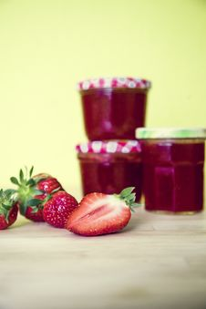 Free Strawberry, Strawberries, Fruit Preserve, Panna Cotta Royalty Free Stock Photos - 98991648