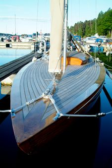 Free Classic Wooden Sailboat Royalty Free Stock Photography - 992477