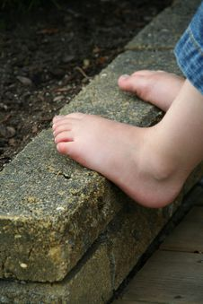 Free Childs Feet Stock Photos - 993763