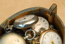 Free Wooden Box With Old Pocket Watches Stock Image - 994121