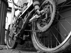Free Old Motor-cycle 2 Royalty Free Stock Image - 996086