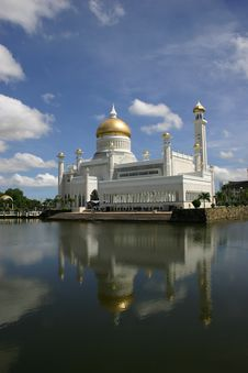 Free Mosque Reflection Royalty Free Stock Photography - 998607