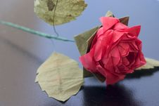 Free Origami Rose On Black Table Stock Images - 999604
