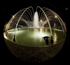 Free Fountain At Night Royalty Free Stock Image - 9906106