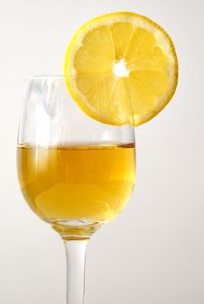 Free The Drink In The Glass With An Orange Royalty Free Stock Image - 9907496