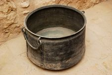 Free Ancient Bucket Stock Photo - 9912570