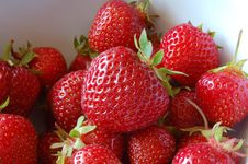 Free Strawberries Royalty Free Stock Image - 9917856