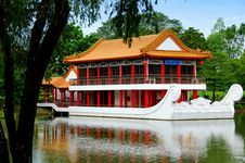 Free Singapore: Stone Boat At Chinese Garden Royalty Free Stock Image - 9917956