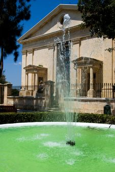 Free Fountain With Historic Building In The Background Stock Photo - 9918080