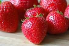 Free Strawberries Royalty Free Stock Images - 9918199