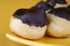 Free Cakes Eclairs Stock Photography - 9918522