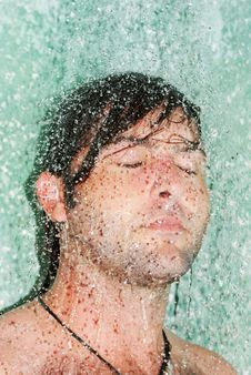 Free Man In A Shower Royalty Free Stock Images - 9918759
