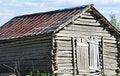 Free Nostalgic Log Hay Barn Royalty Free Stock Photography - 9928607