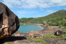 Free Boulder Bay On Hinchinbrook Island Royalty Free Stock Image - 9922576