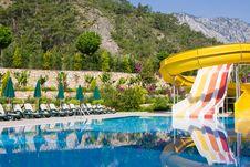 Free Swimming Pool Royalty Free Stock Image - 9924846