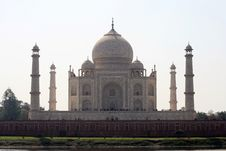 Free Taj Mahal Seen From The Back Side Stock Images - 9925594