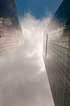 Free Sky Reflected In Building Royalty Free Stock Photography - 9926447