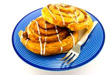 Free Cinnamon Buns On A Blue Plate Royalty Free Stock Images - 9929659