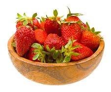 Free Fresh Strawberries On A Wooden Platter Stock Photography - 9929782