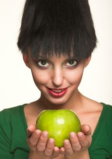 Free Beautiful Woman With Apple Royalty Free Stock Images - 9933039