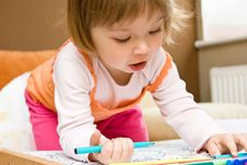 Free Baby Girl Drawing Stock Images - 9933154