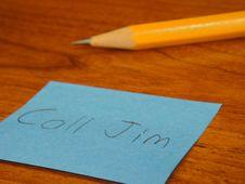 Free Sticky Note And Pencil On Desk Stock Images - 9935494