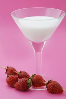A Cocktail Is Creamy With A Strawberry Stock Images