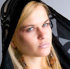 Free Beautiful Blondy With Black Scarf Royalty Free Stock Images - 9935799