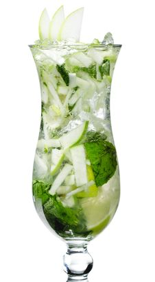 Free Cocktail - Apple Mojito Royalty Free Stock Images - 9939089