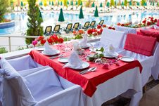 Free Beautifully Decorated Tables Royalty Free Stock Photos - 9939758