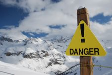 Free Warning Sign For Danger In The Mountain Royalty Free Stock Photo - 9939765