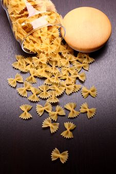 Free Farfalle Pasta Royalty Free Stock Photo - 9940535