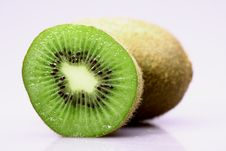 Free Kiwi Fruit Royalty Free Stock Photography - 9941017