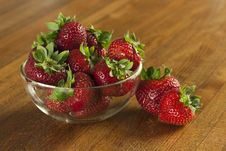 Free Strawberries On Table Royalty Free Stock Photos - 9945998