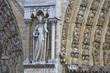 Free Notre Dame - Detail Royalty Free Stock Photo - 9947145