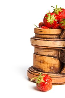 Free Wooden Mug With A Strawberry (right) Royalty Free Stock Images - 9951869